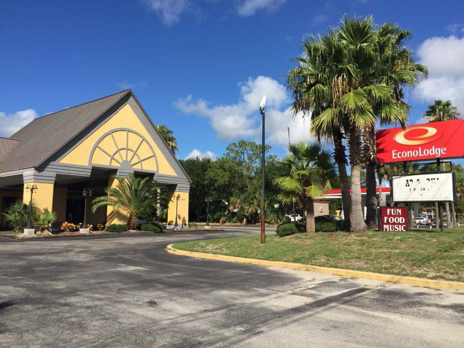 Alliance Closes Loan For Econolodge Purchase